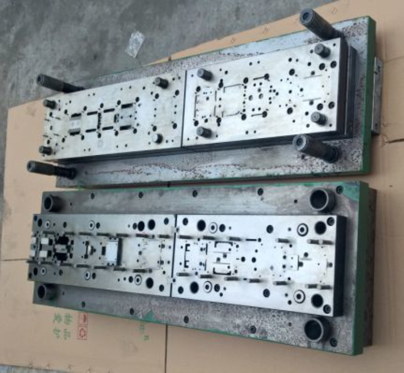 China hardware high precision stamping mould customized open mould design automatic stamping progressive die